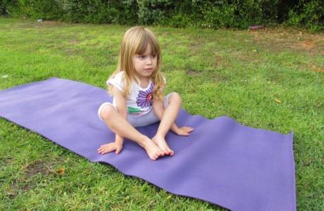 מחקרים שנעשו על התועלת של יוגה לילדים